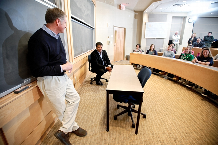 Professor of Physics Gordon Jones introduces astrophysicist Neil deGrasse Tyson to a group of physics and environmental studies students.<br />Photo: Nancy L. Ford
