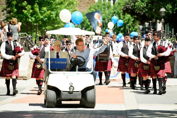 Bagpipes of the Mohawk Valley Frasers lead the reunion parade.<br />Photo: Rebecca L. Sheets